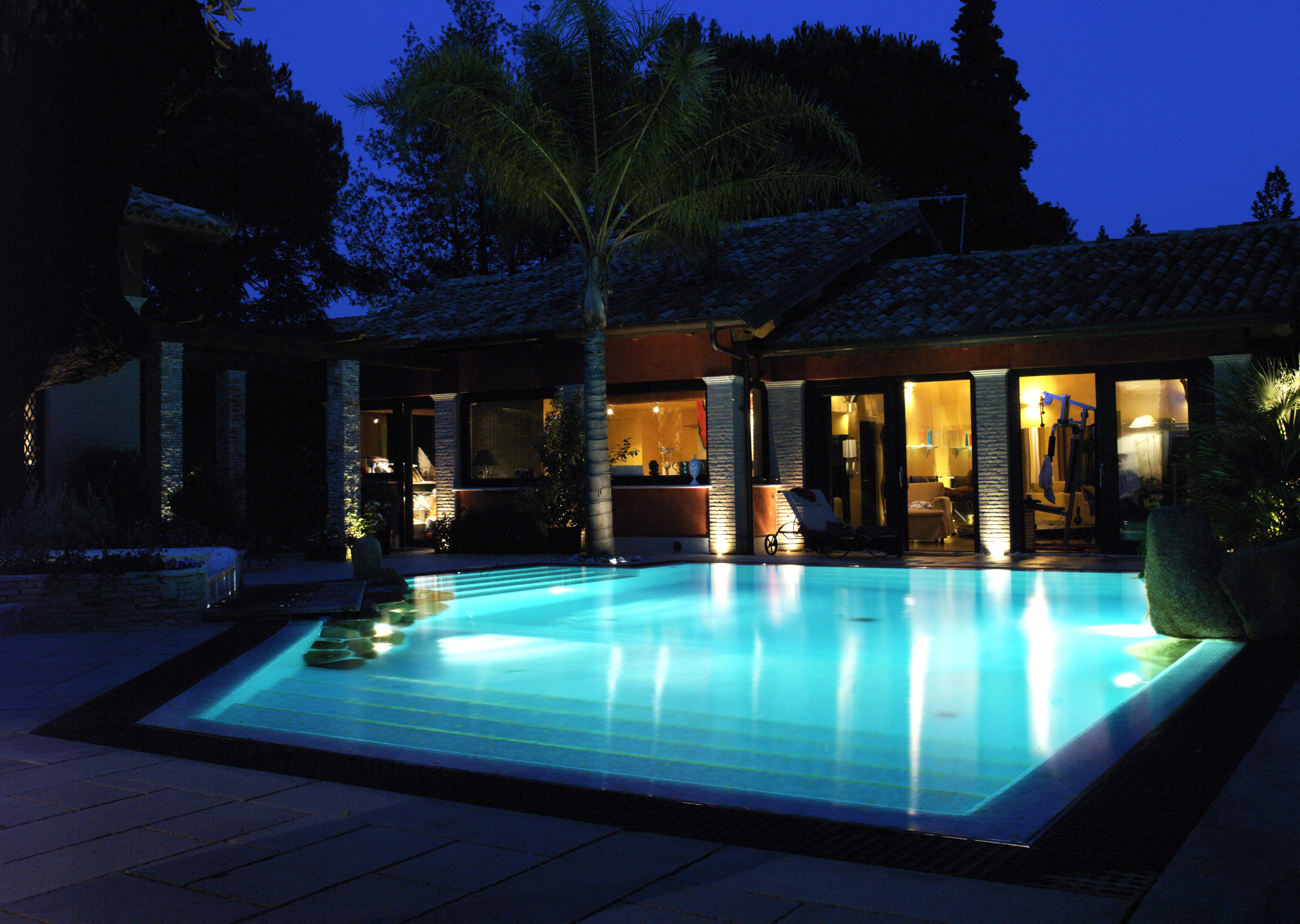 Affittasi location villa con piscina miragu - Progetto villa con piscina ...
