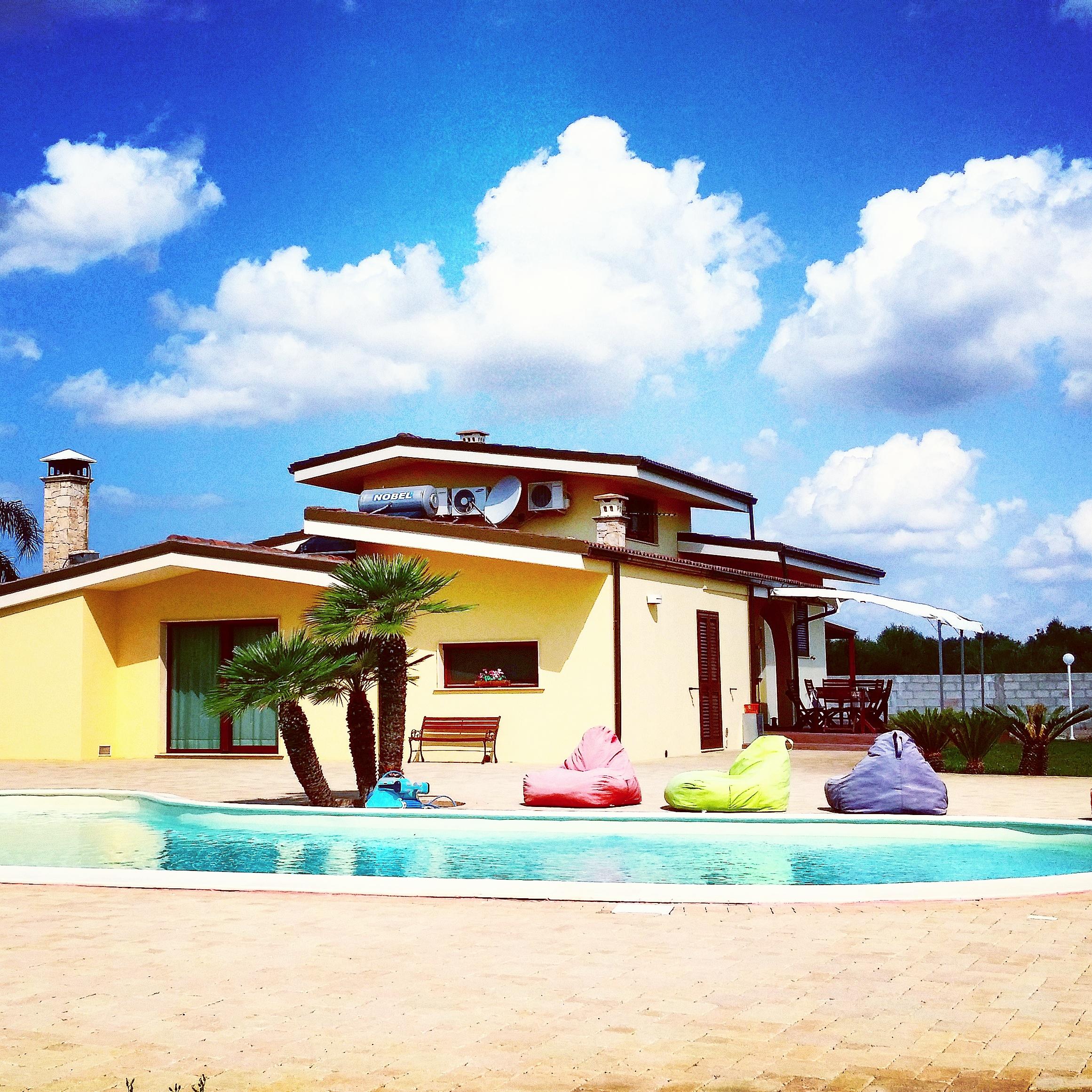 Affittasi location villa nereide con piscina miragu - Villa con piscina ...