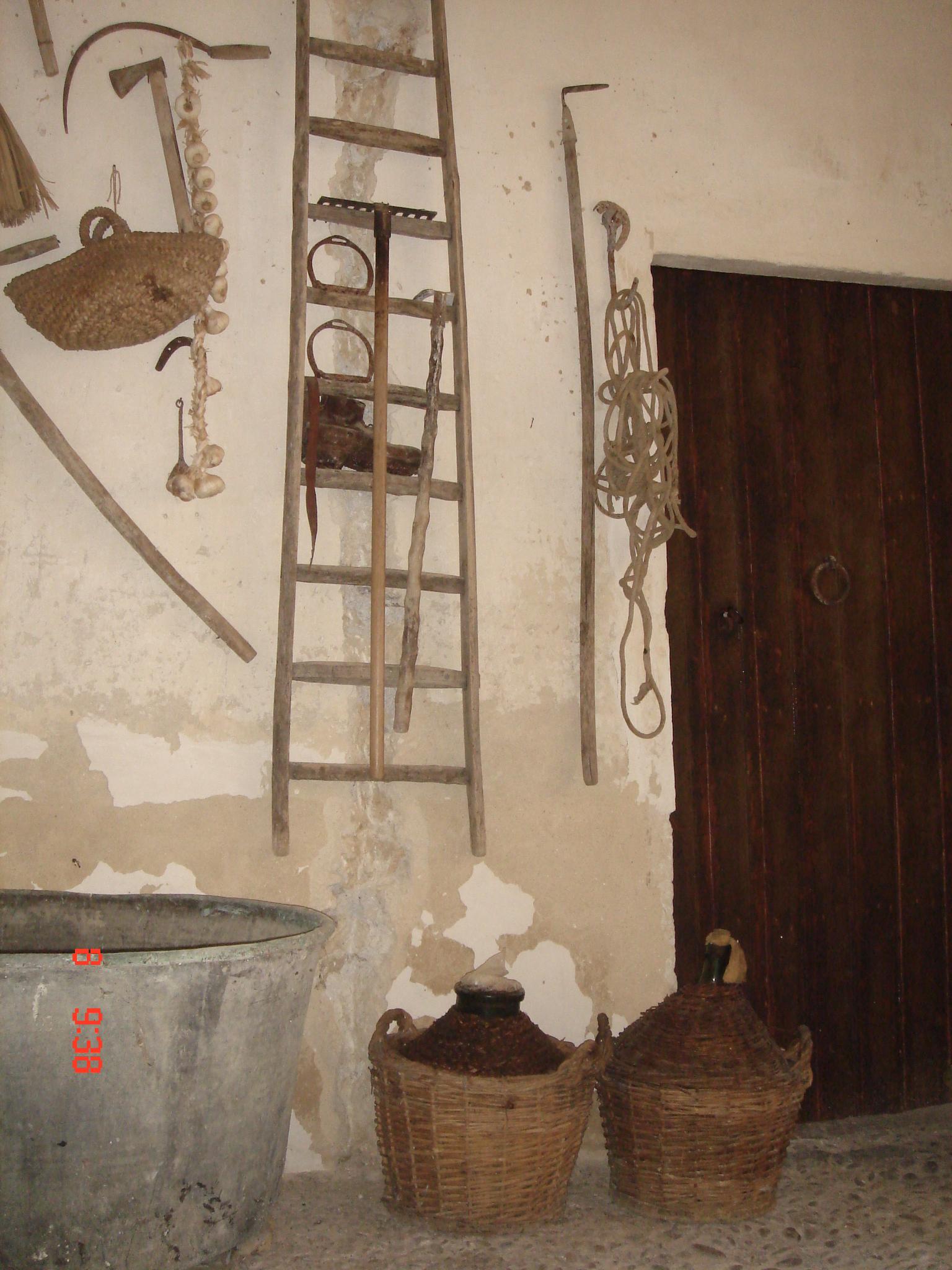 Affittasi location palazzo di bartolo gi geraci sommatino for Mobili liberty siciliano