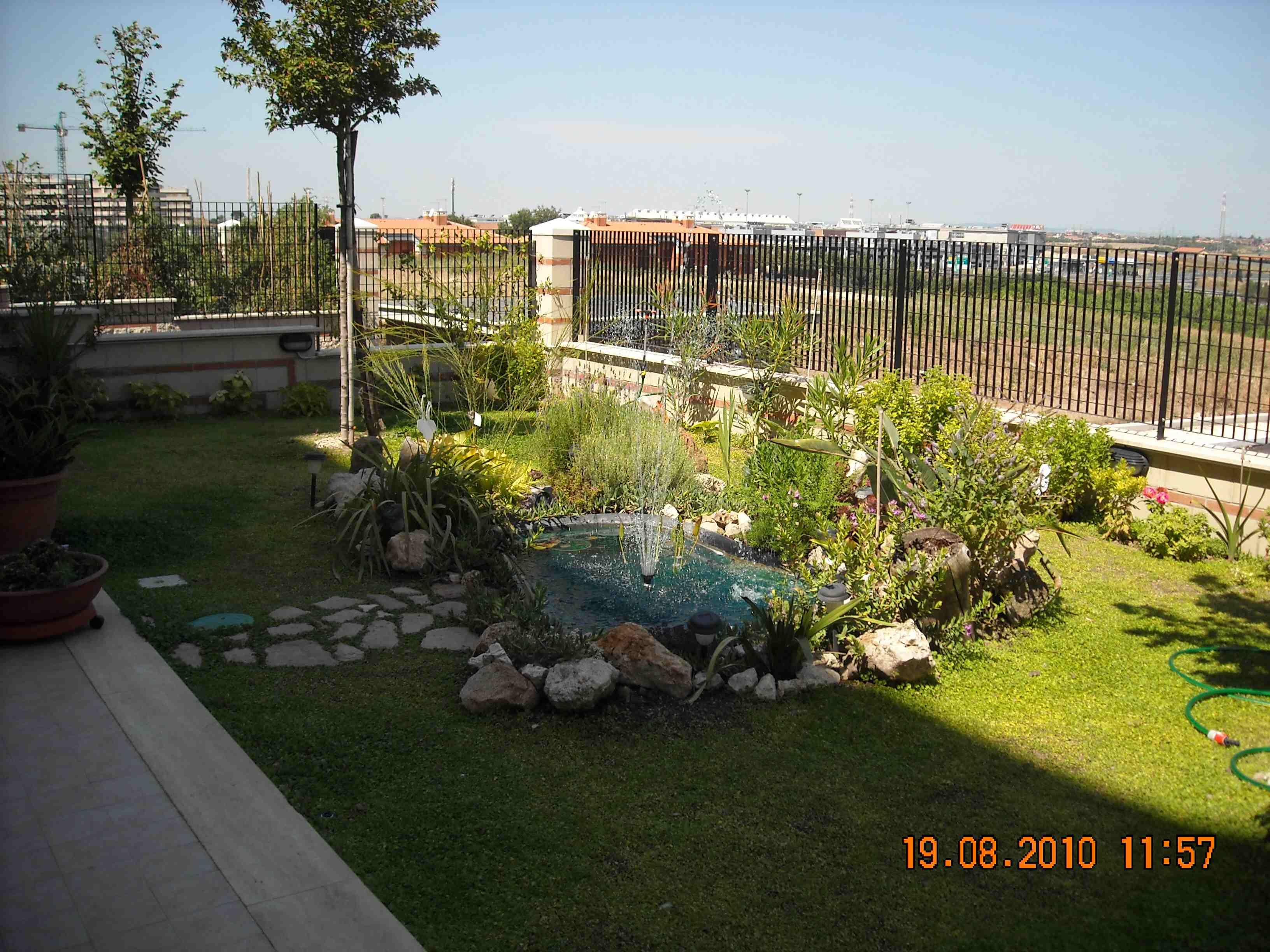 Affittasi location casa rosa roma miragu - Casa con giardino roma ...
