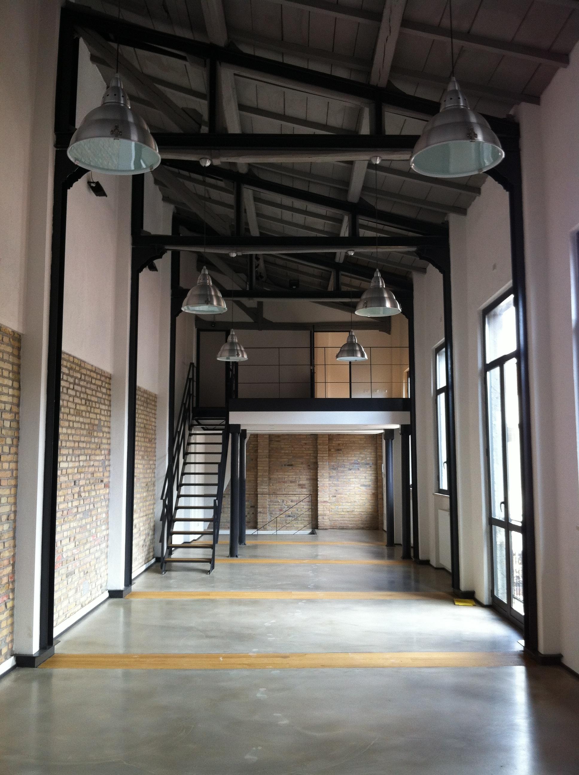 Affittasi location the soap factory miragu for Loft roma affitto