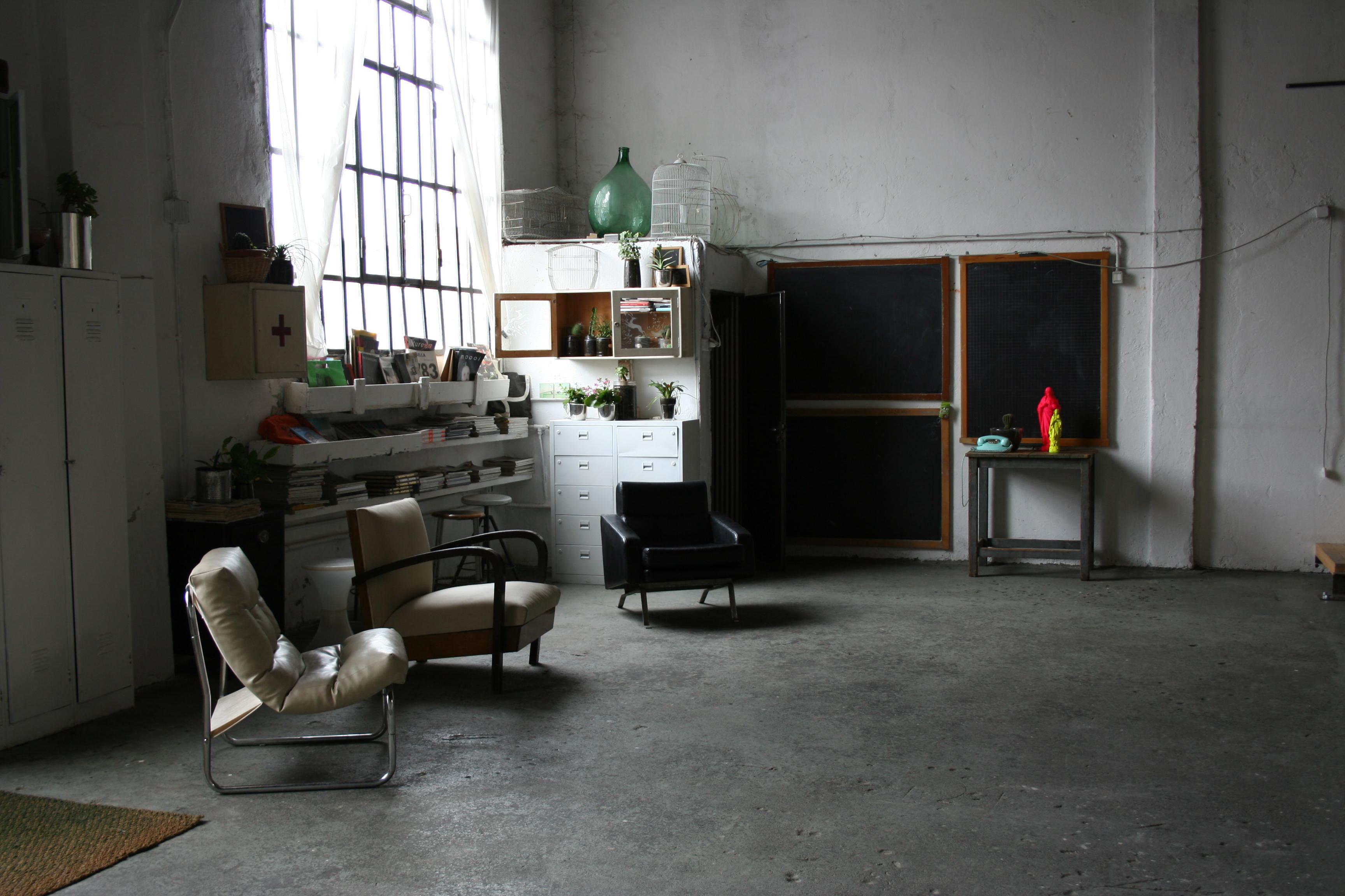 Affittasi location studio corte 17 miragu for Affittasi studio