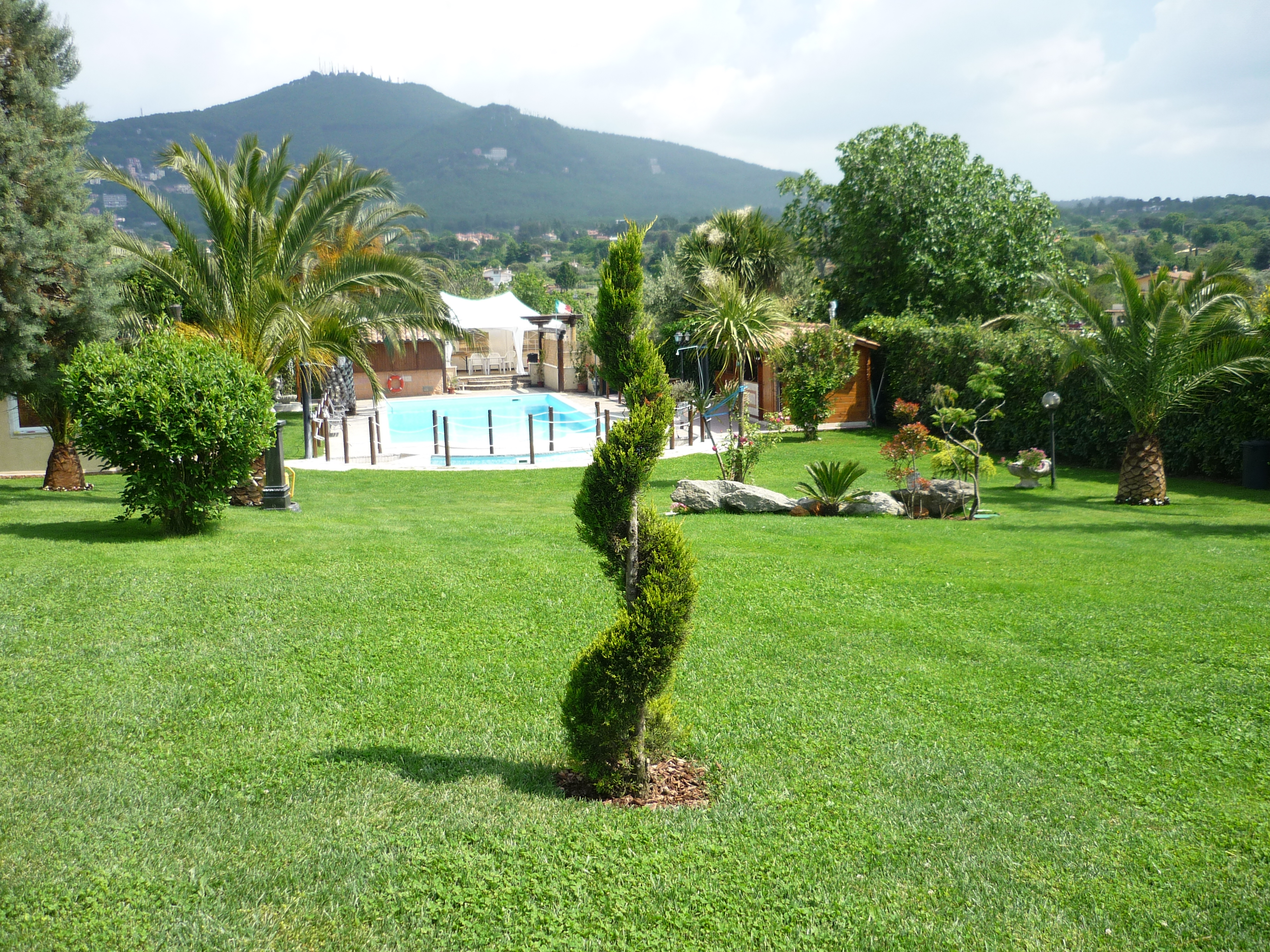 Giardini Piccoli Con Piscina Moloney Info