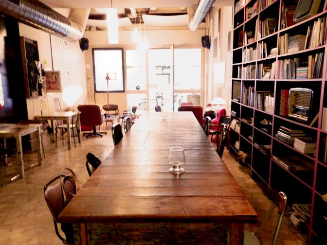 Affittasi location locale sala libreria roma san lorenzo for Arredamento vintage roma