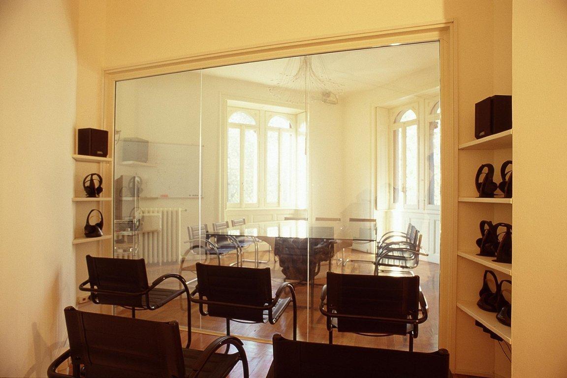 Affittasi location nextest focuservice miragu - Lo specchio retrovisore centrale ...