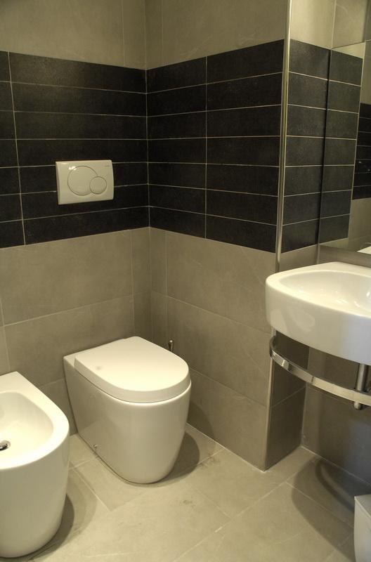 Affittasi location casa rubino roma miragu for 3 piani casa con bagno privato
