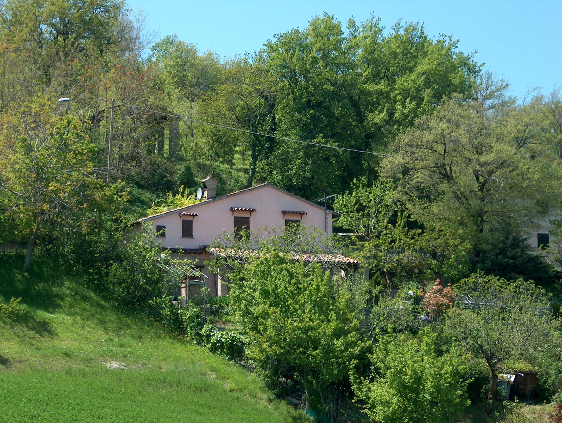 Affittasi location casa vacanza lincanto sulla valle nella - Casa in rustico ...
