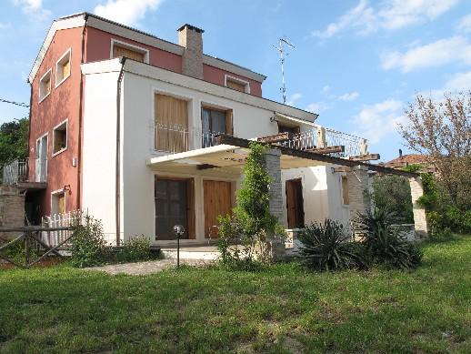 Affittasi location villino la bigiola rimini miragu for Giardino rimini