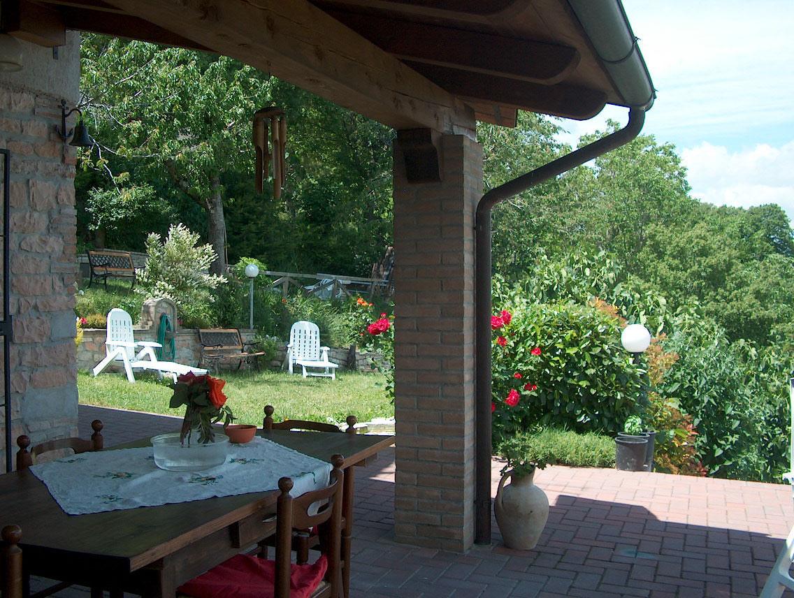 Affittasi location casa vacanza lincanto sulla valle nella for Piccole planimetrie delle case di campagna