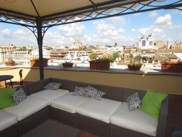 Affittasi location terrazza panoramica sui tetti di roma for Terrazze arredate