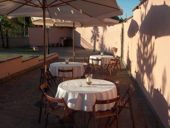 Affittasi location affitto villa vicino roma castelli for Studio affitto roma