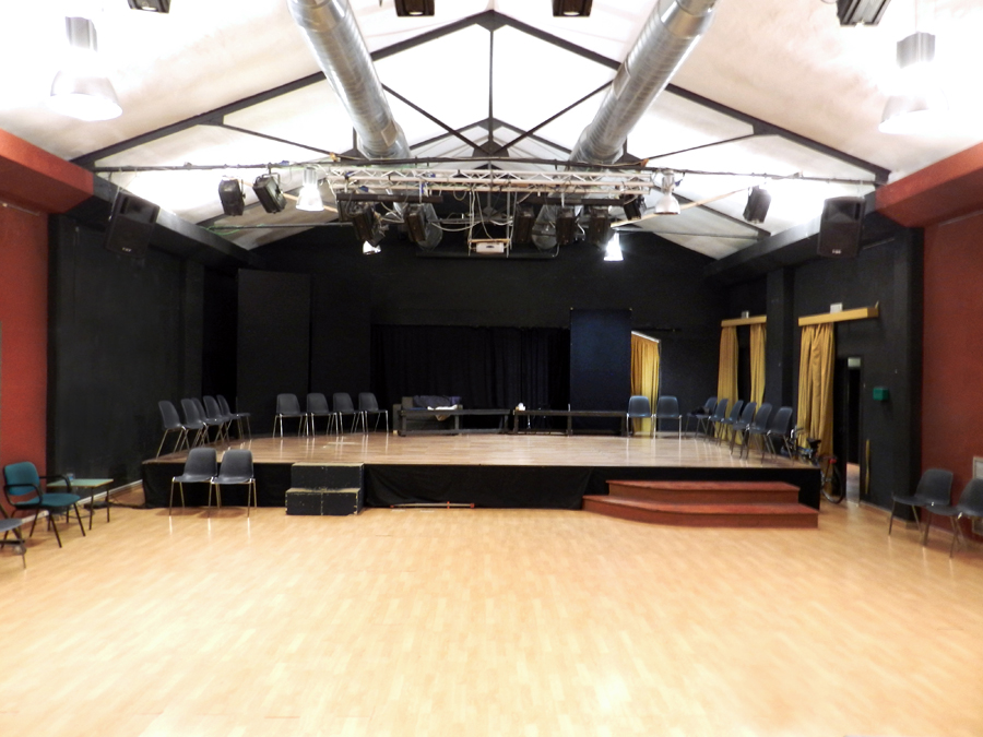 Affittasi location spazio teatro stazione tuscolana miragu for Affitto spazio roma